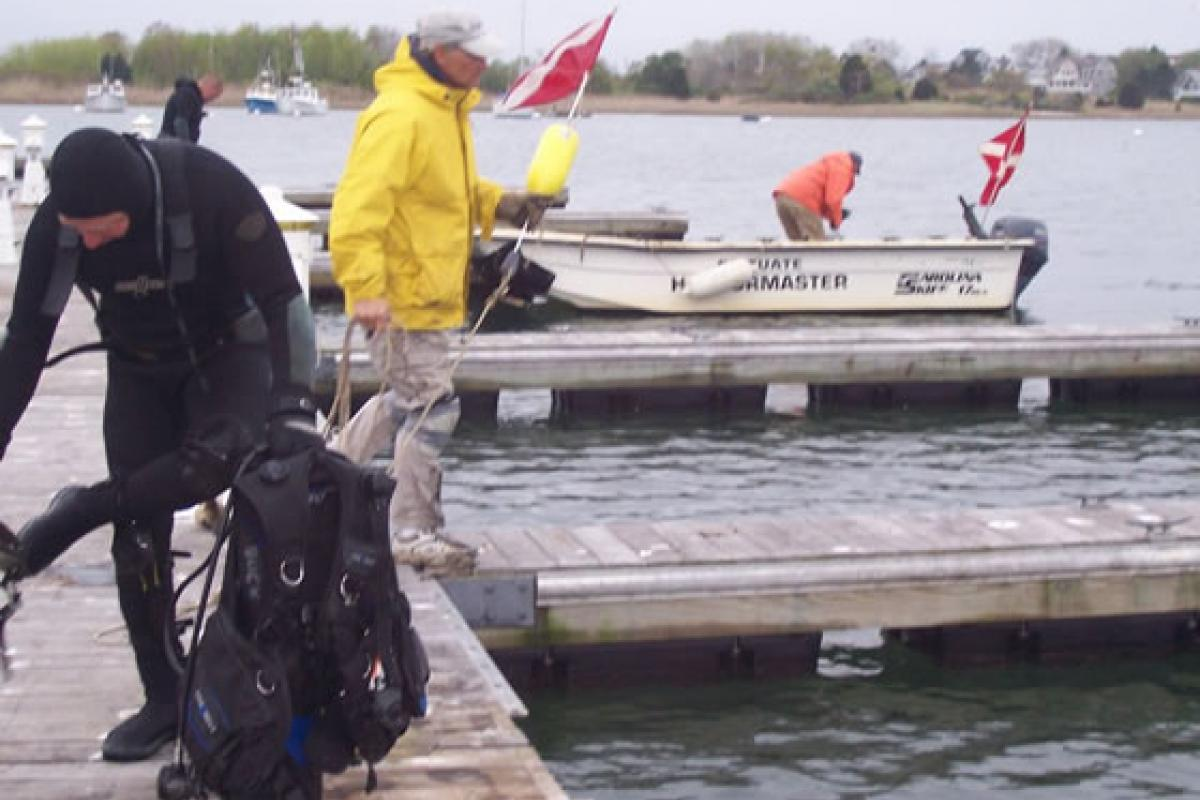 April 2012 – Asst. HM Bob Greek and Fireman John Reidy preparing to dive on mari